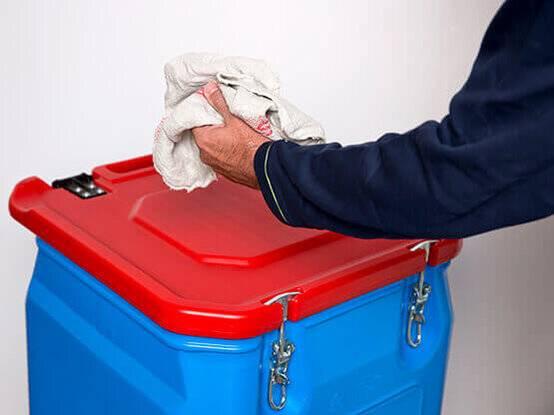 Poetsdoeken container voor opbergen van vieze poetsdoeken