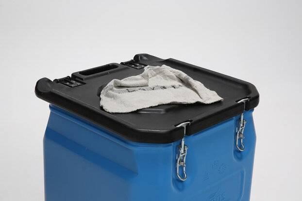 Container voor de poetsdoeken in de metaalsector